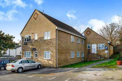 2 Bedrooms Flat for sale in 40A Hartington Road, Southend-On-Sea, Essex