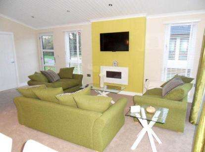 3 Bedrooms Mobile Home for sale in Tydd St. Giles, Wisbech