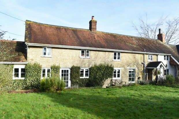 4 Bedrooms Detached House for sale in Lydfords Lane, Gillingham