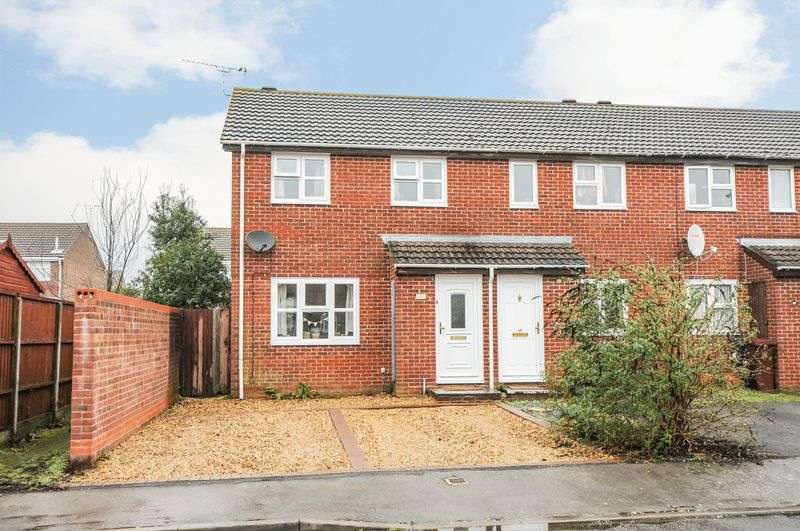 3 Bedrooms Terraced House for sale in Caernarvon Road, Chichester