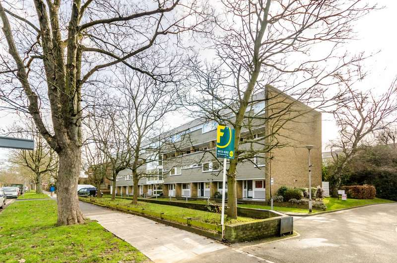 2 Bedrooms Flat for sale in The Avenue, Beckenham, BR3