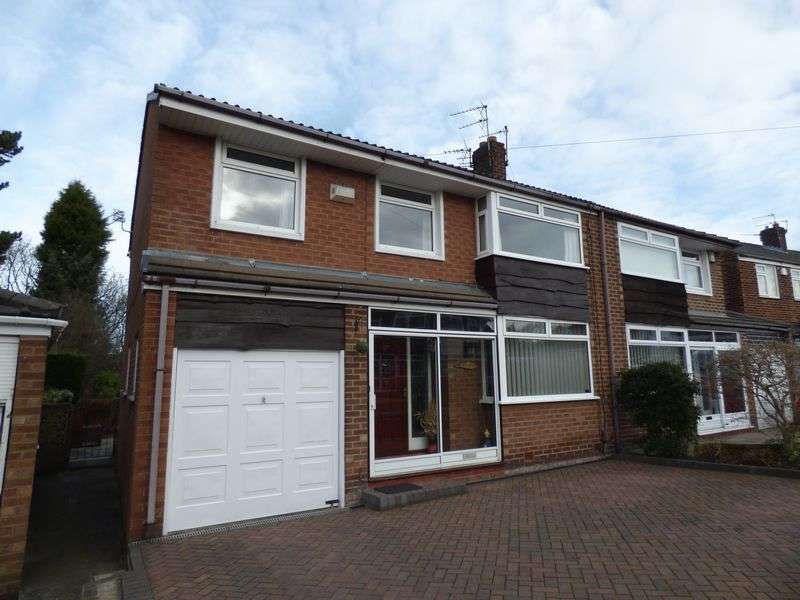 5 Bedrooms Semi Detached House for sale in Wakeling Road, Manchester