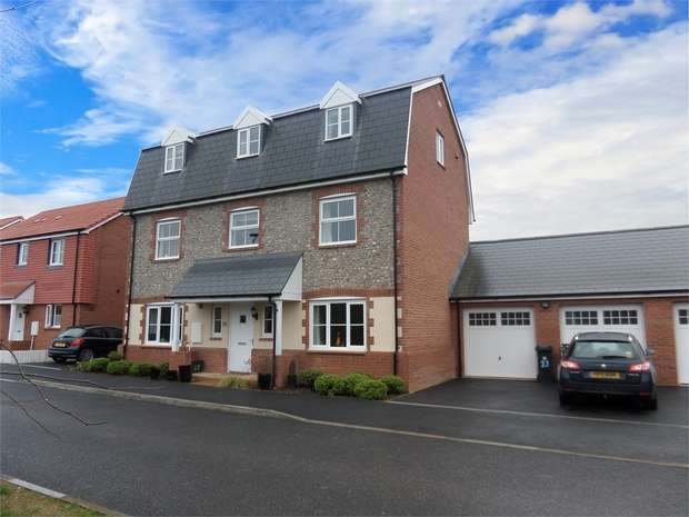 5 Bedrooms Detached House for sale in Cranbrook, Exeter, Devon