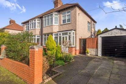 3 Bedrooms Semi Detached House for sale in Ingleholme Road, Liverpool, Merseyside, Uk, L19