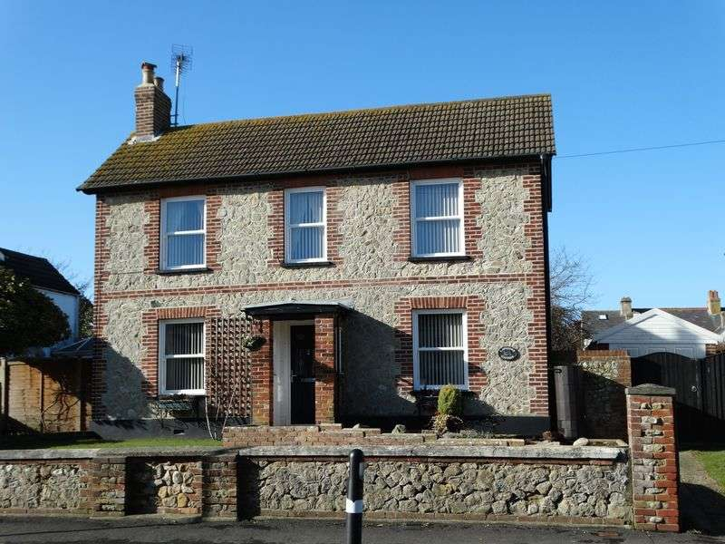 4 Bedrooms Detached House for sale in Manor Road, Selsey