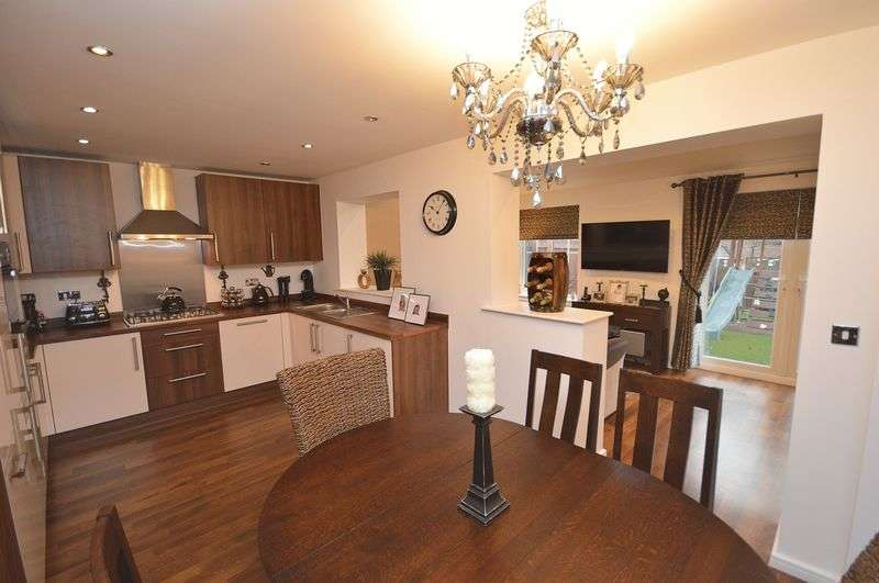 3 Bedrooms Detached House for sale in King Oswald Crescent, Widnes