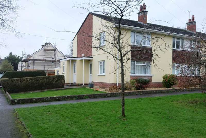 2 Bedrooms Flat for sale in Woodville Close, Sticklepath