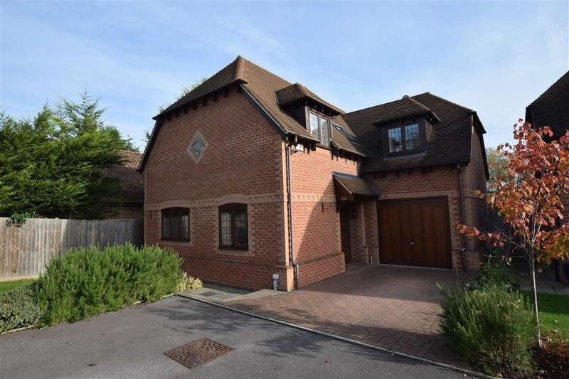 4 Bedrooms Detached House for sale in Grovelands Road, Spencers Wood, Reading, RG7