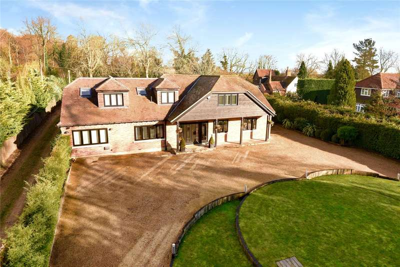 6 Bedrooms Detached House for sale in Theydon Mount, Epping, Essex, CM16