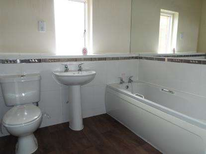 1 Bedroom Flat for sale in Caxton Place, Wrexham, Wrecsam, Wrexham, LL11