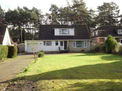 4 Bedrooms Bungalow for sale in West Parley, Ferndown