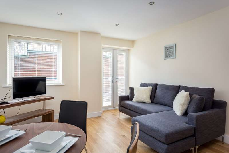 1 Bedroom Flat for sale in Victoria Road, Swindon SN1 3UZ