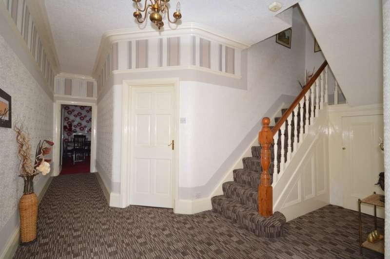 5 Bedrooms Terraced House for sale in Harrowside, South Shore