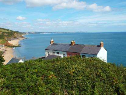 2 Bedrooms Terraced House for sale in Hallsands, Kingsbridge
