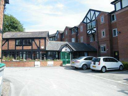 1 Bedroom Flat for sale in Weaver Court, London Road, Northwich, Cheshire