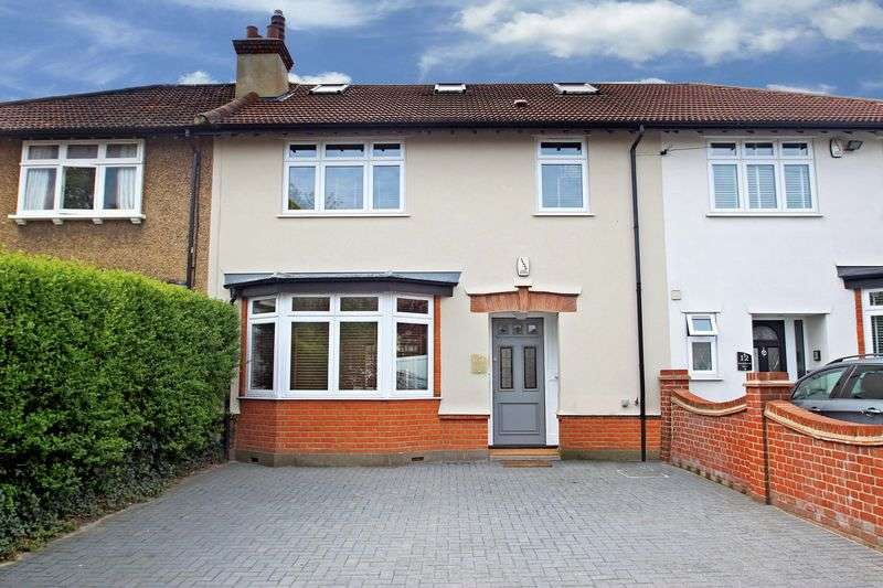 4 Bedrooms Terraced House for sale in Palmerston Road, Buckhurst Hill
