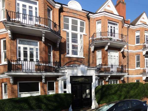 2 Bedrooms Flat for sale in Linkenholt Mansions, Stamford Brook Avenue, London
