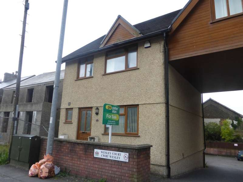 3 Bedrooms Terraced House for sale in Wesley Court, Neath
