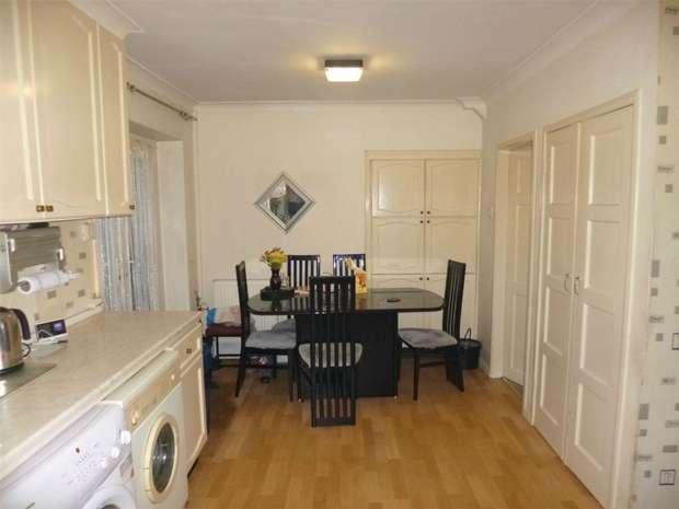 4 Bedrooms Terraced House for sale in Three Corners, Bennetts End, HEMEL HEMPSTEAD, Hertfordshire