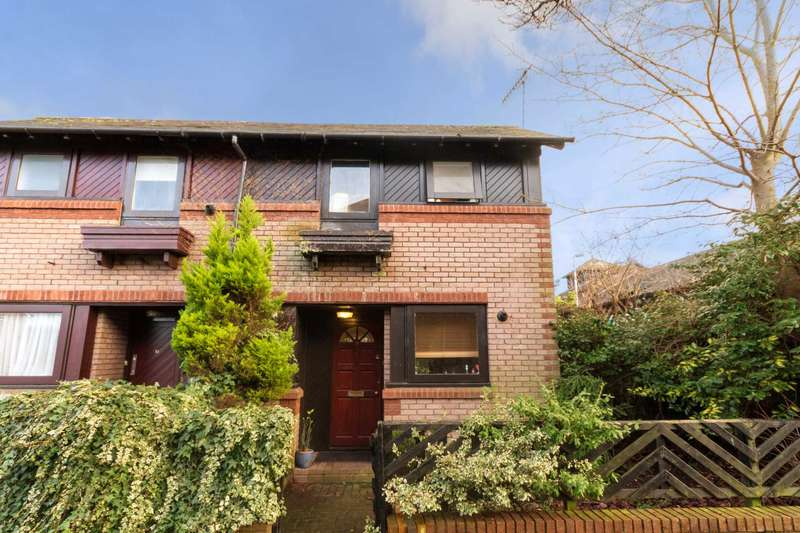1 Bedroom End Of Terrace House for sale in Gossoms Ryde, Berkhamsted
