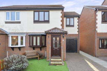 3 Bedrooms Semi Detached House for sale in Blenheim Avenue, Whitby, North Yorkshire, .