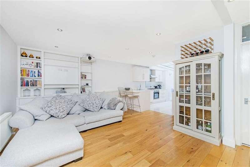 2 Bedrooms Flat for sale in Battersea Bridge Road, London, SW11