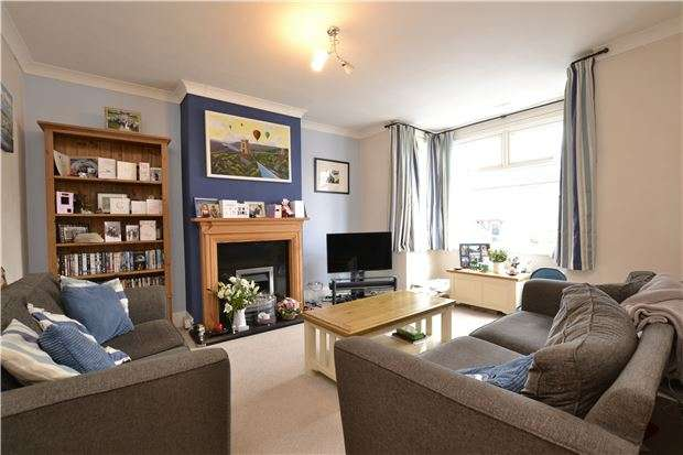3 Bedrooms End Of Terrace House for sale in Filton Grove, Horfield. Bristol, BS7 0AN