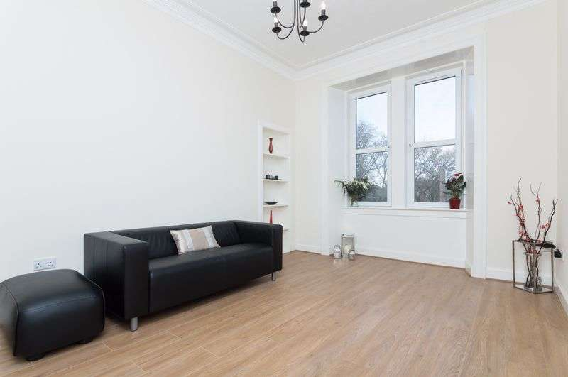 2 Bedrooms Flat for sale in 1F1, 8 Broughton Road, Canonmills, Edinburgh, EH7 4EB
