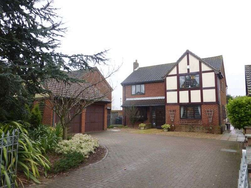 4 Bedrooms Detached House for sale in Great Yarmouth