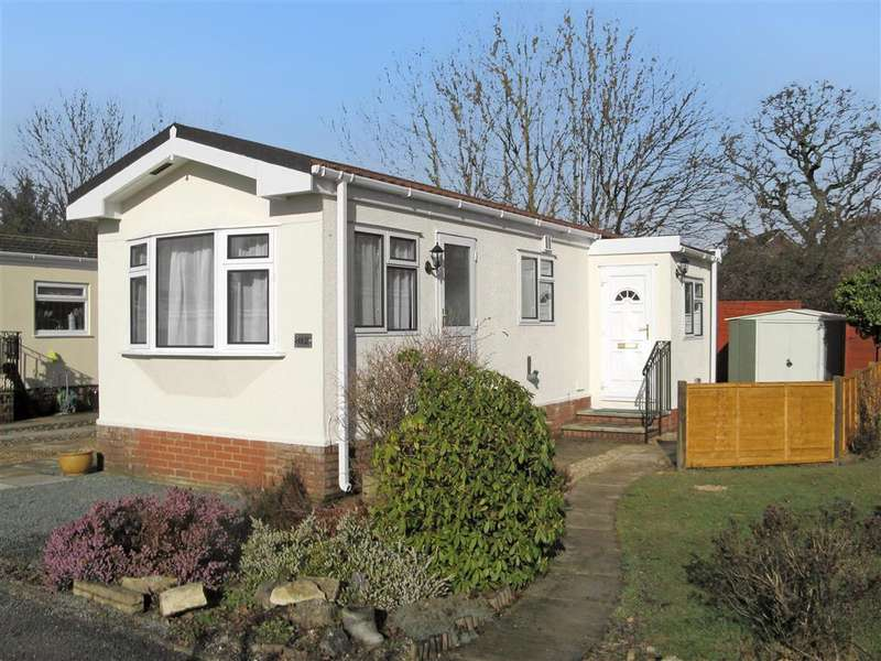 1 Bedroom Park Home Mobile Home for sale in Roundstone Park, Worthing Road, Southwater, Horsham, West Sussex