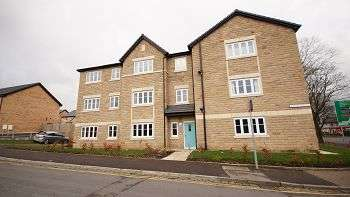 2 Bedrooms Flat for sale in Ribble Avenue, Burnley, BB10