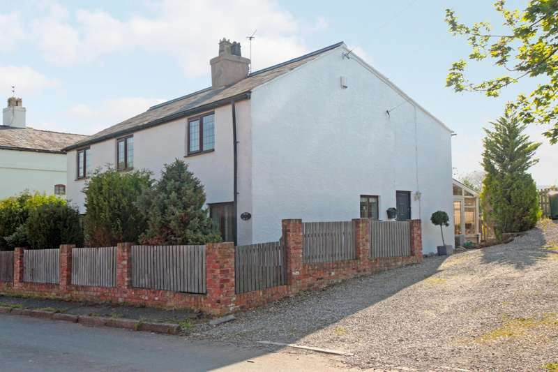 4 Bedrooms House for sale in 4 bedroom House Detached in Hapsford