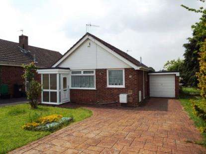2 Bedrooms Bungalow for sale in Dakota Drive, Whitchurch, Bristol