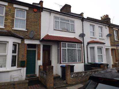 2 Bedrooms Terraced House for sale in Seymour Road, London