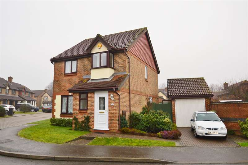 3 Bedrooms Property for sale in The Weavers, Maidstone