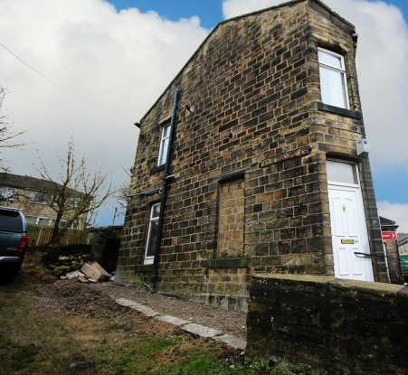 1 Bedroom Semi Detached House for sale in Cross Roads., Keighley, West Yorkshire, BD22 9BT