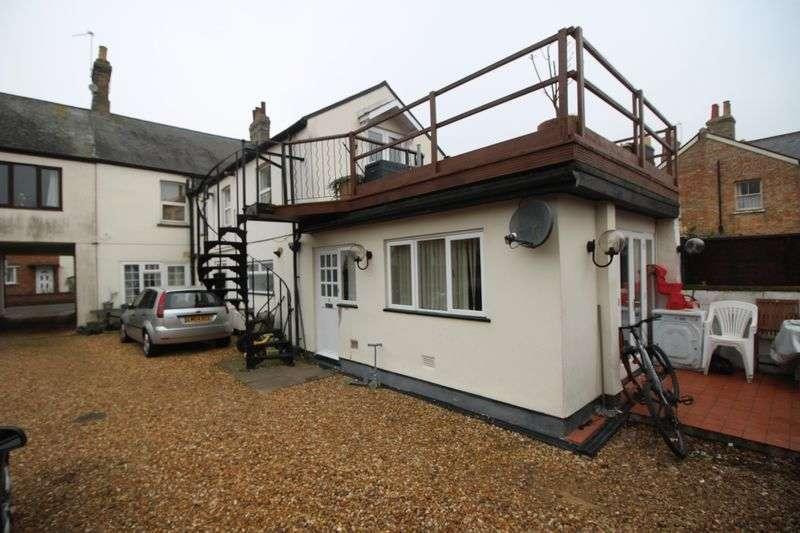 2 Bedrooms Flat for sale in Ingram Street, Huntingdon, Cambridgeshire.
