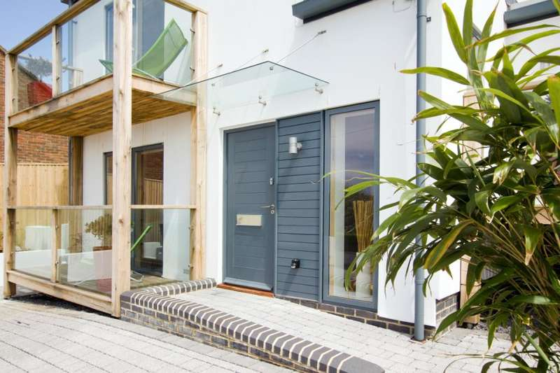 4 Bedrooms Detached House for sale in Ainsworth Avenue, Brighton, East Sussex, BN2