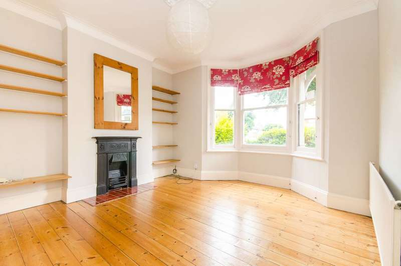 1 Bedroom Flat for sale in Swallowfield Road, Charlton, SE7