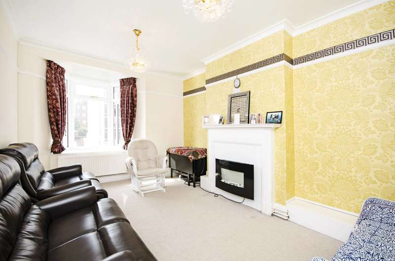 2 Bedrooms Flat for sale in Finchley Lane, Hendon, NW4