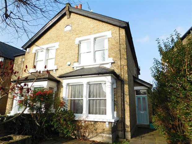 3 Bedrooms Semi Detached House for sale in Canbury Avenue, Kingston Upon Thames