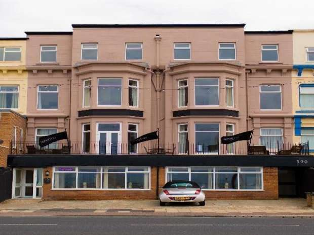 26 Bedrooms Hotel Gust House for sale in North Promenade North Shore Blackpool