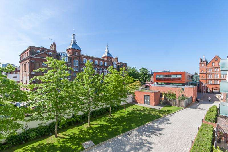 1 Bedroom Flat for sale in Tiltman Place, Hornsey Road, Holloway, London, N7
