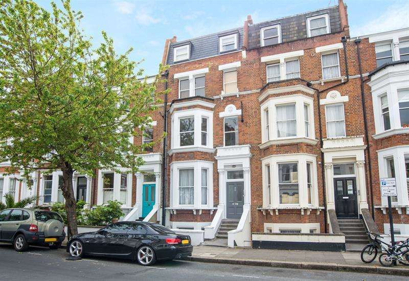 2 Bedrooms Flat for sale in Netherwood Road, Brook Green, W14