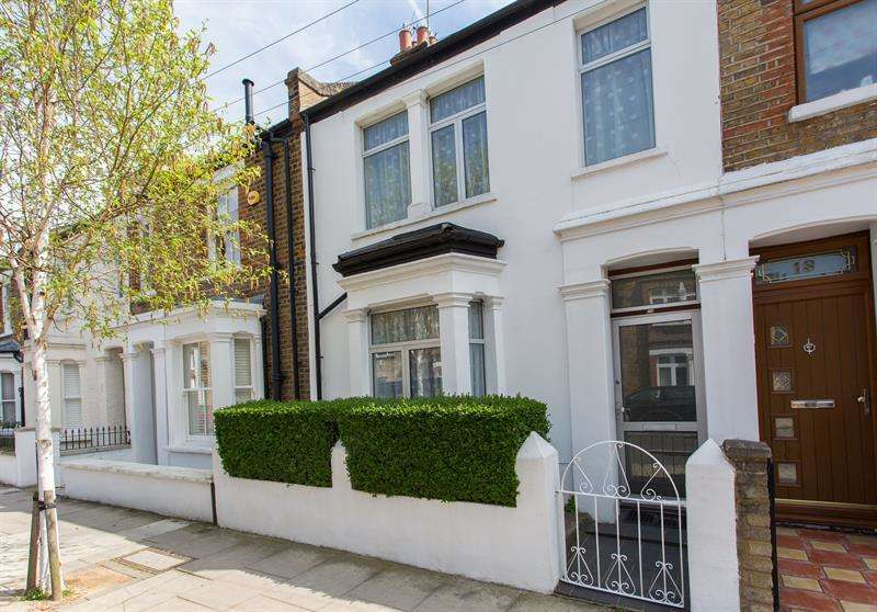 2 Bedrooms Terraced House for sale in Tunis Road, Shepherds Bush, W12