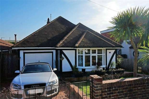 3 Bedrooms Detached Bungalow for sale in Lustrells Crescent, Saltdean, Brighton, East Sussex