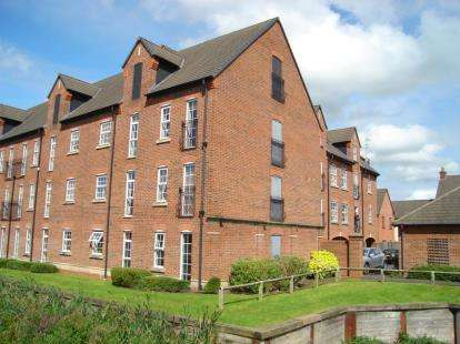 2 Bedrooms Flat for sale in Cordwainers Court, Buckshaw Village, Chorley, Lancashire