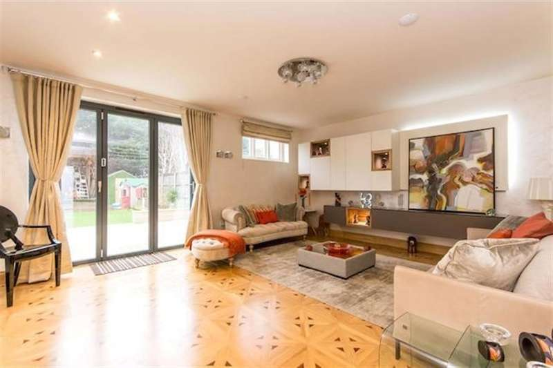 6 Bedrooms Semi Detached House for sale in Wren Avenue, London, NW2 6UG