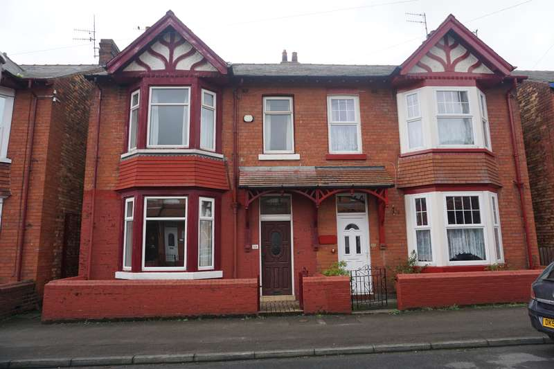 3 Bedrooms Semi Detached House for sale in Tennyson Avenue, Scarborough, YO12 7RE