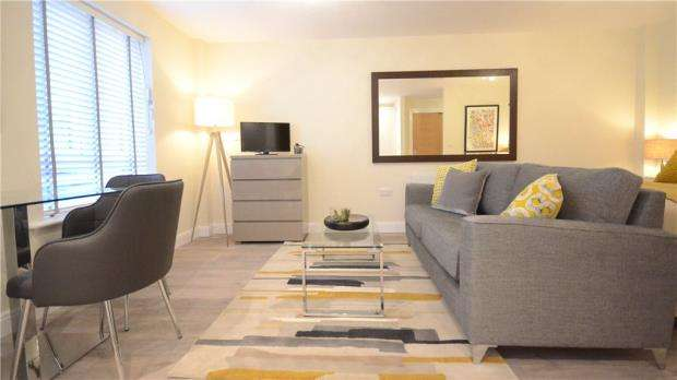 Apartment Flat for sale in Victoria Road, Farnborough, Hampshire